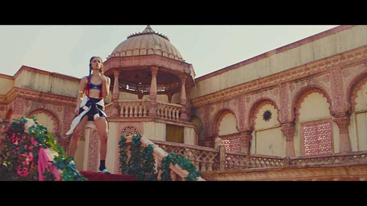 Awesome Major Lazer Dj Snake Lean On Feat Mo Official Music Video Major Lazer Dj Snake Music Videos