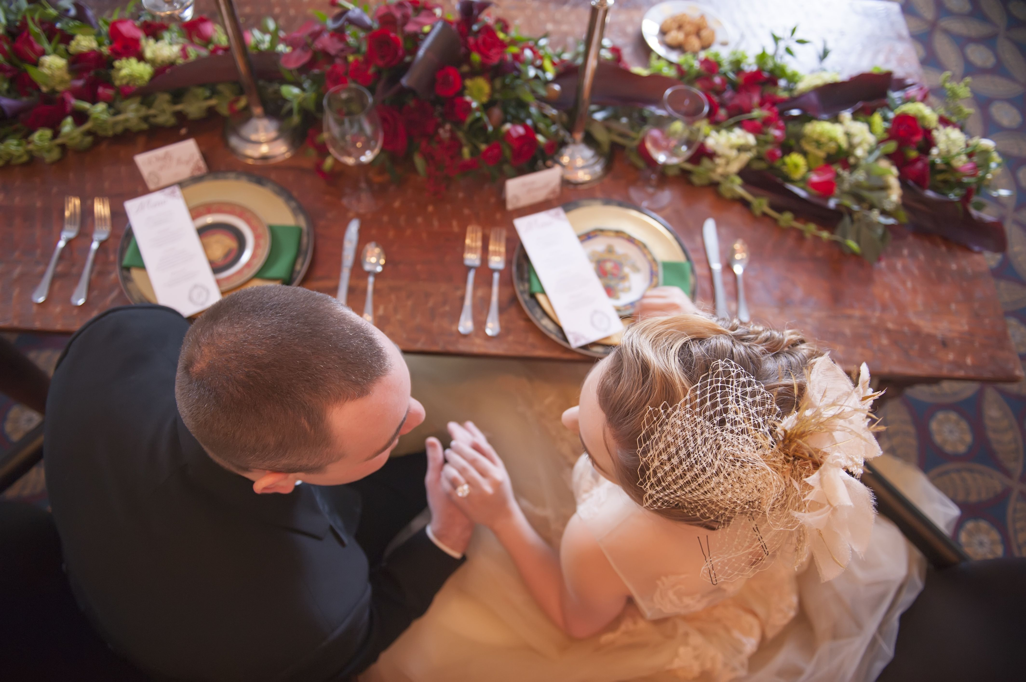 Sweetheart Table for an Elegant Wedding  www.clubleconte.com