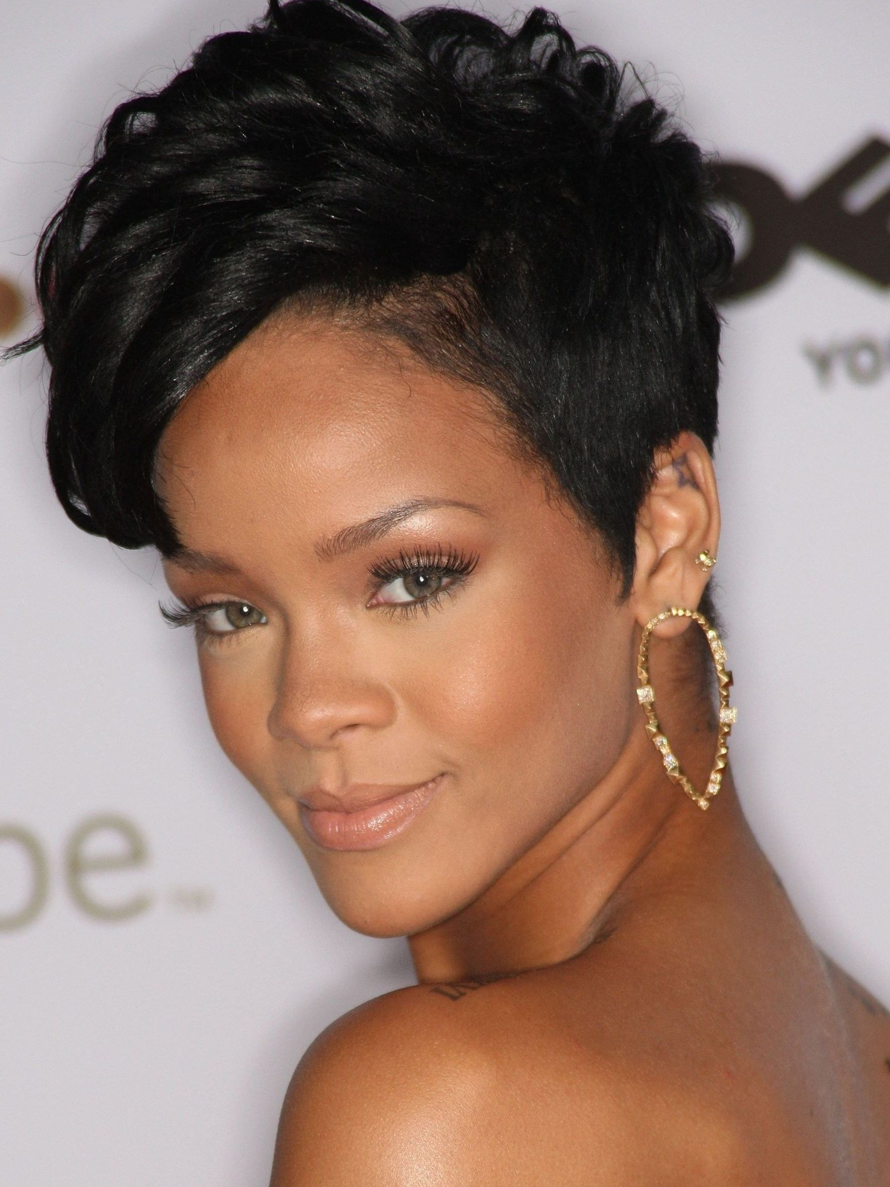 Cute Black Short Haircuts 2019 Rihanna Short Hair Short