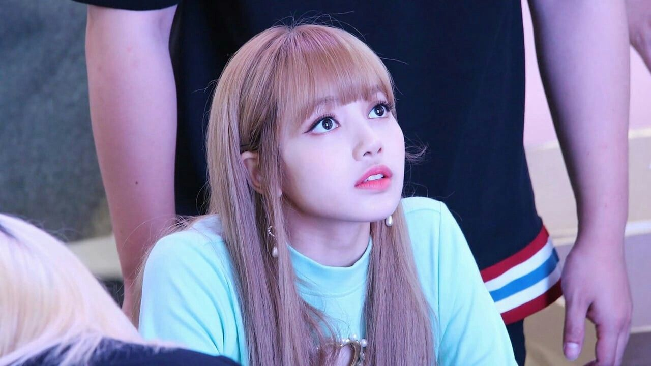 Pin By Rawan Ali On صور بنات كيوت Blackpink Lisa Lalisa Manoban Blackpink