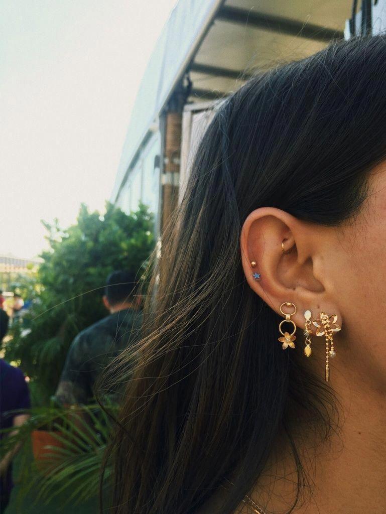 Diamond Hoop Earrings Diamond Huggies 14k Solid Gold Huggie Earrings Tiny Hoop Earrings 10mm Diamond Hoop Earrings Valentines Day 2020 귀 피어싱 피어싱 귀걸이