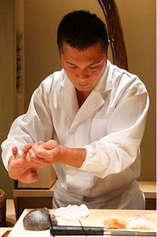 Suzuki knows which sushi will please each guest based on age, gender, physique and eating speed.