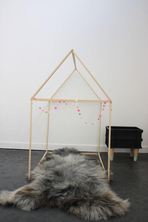 diy une cabane en bois en 2h pour moins de 15 euros. Black Bedroom Furniture Sets. Home Design Ideas