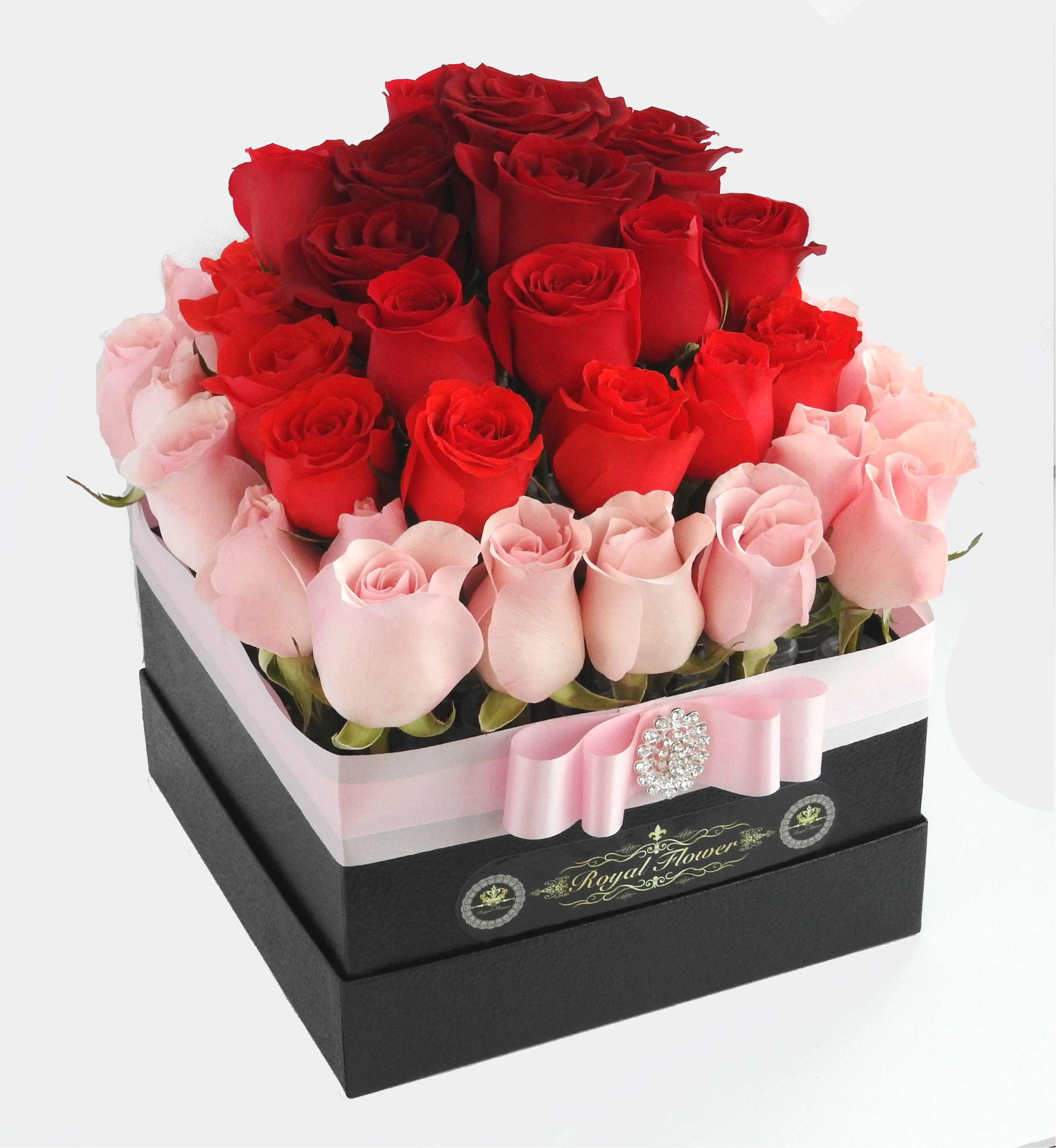 Luxury Hand Picked White Or Light Pink Royal Roses Based On Our Inventory Coral Beautiful Bouquet Of Flowers Birthday Flowers Bouquet Flowers Bouquet Gift