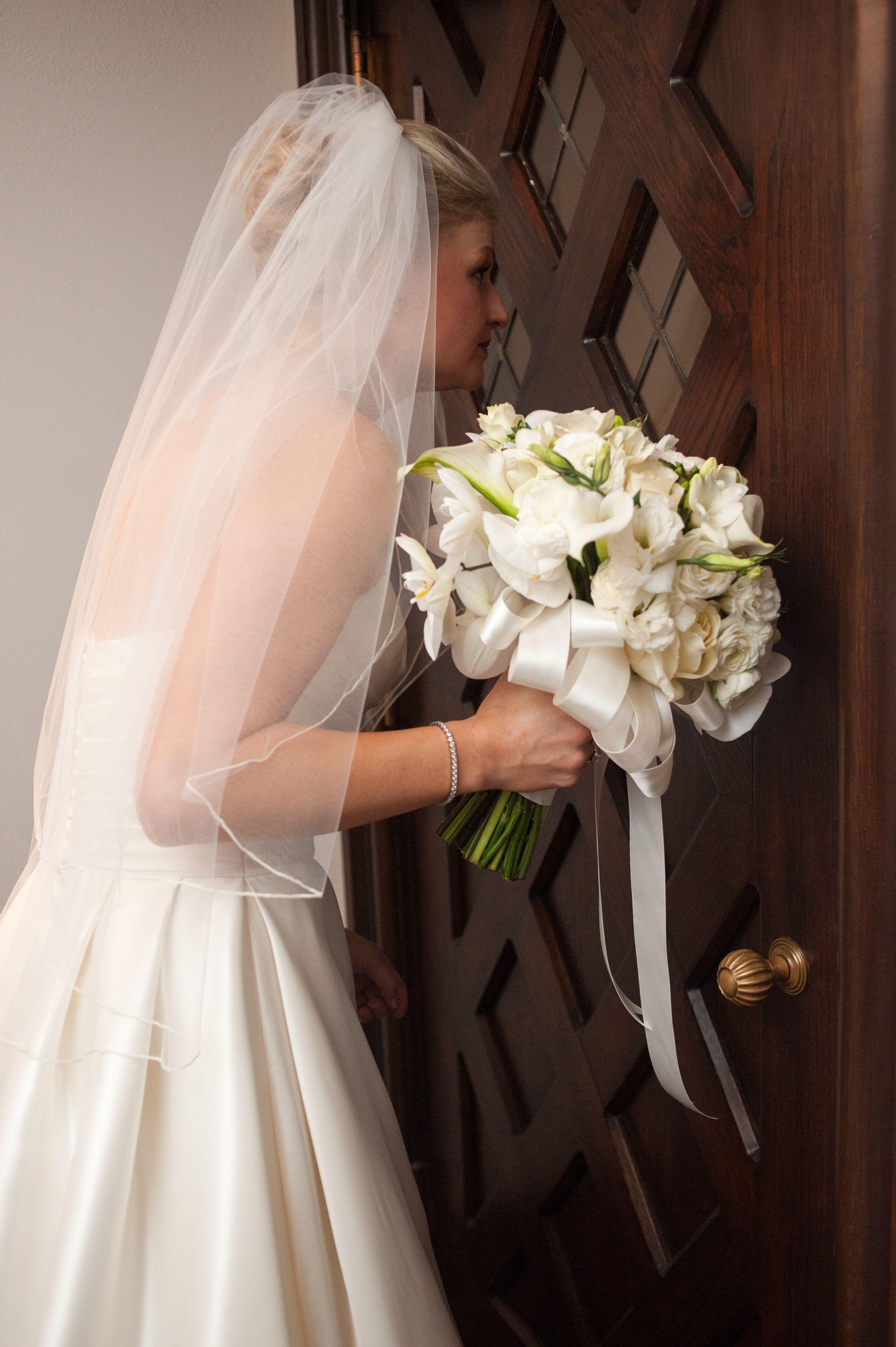 Cebolla Fine Flowers Dallas Wedding Church Of The Incarnation White
