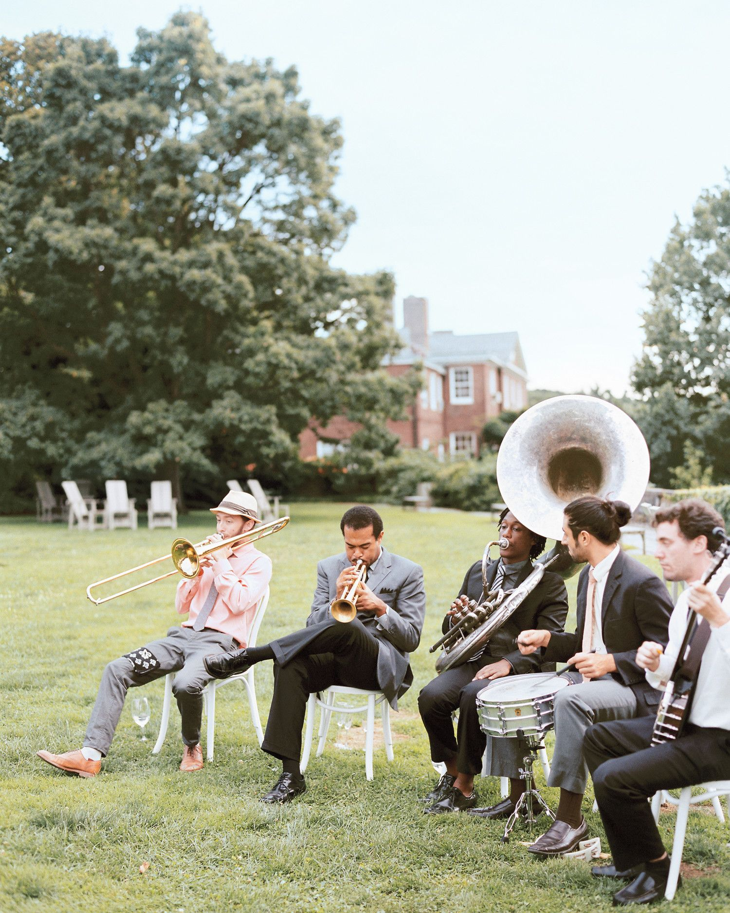A Fashionable Garden Party Style Wedding In New York City Summer Wedding Venues Circus Wedding Wedding News