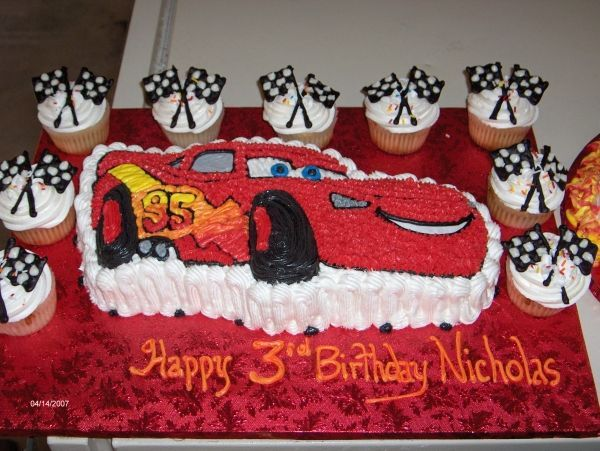 Fantastic Lightning Mcqueen And Extra Cupcakes With Images Lightning Personalised Birthday Cards Veneteletsinfo