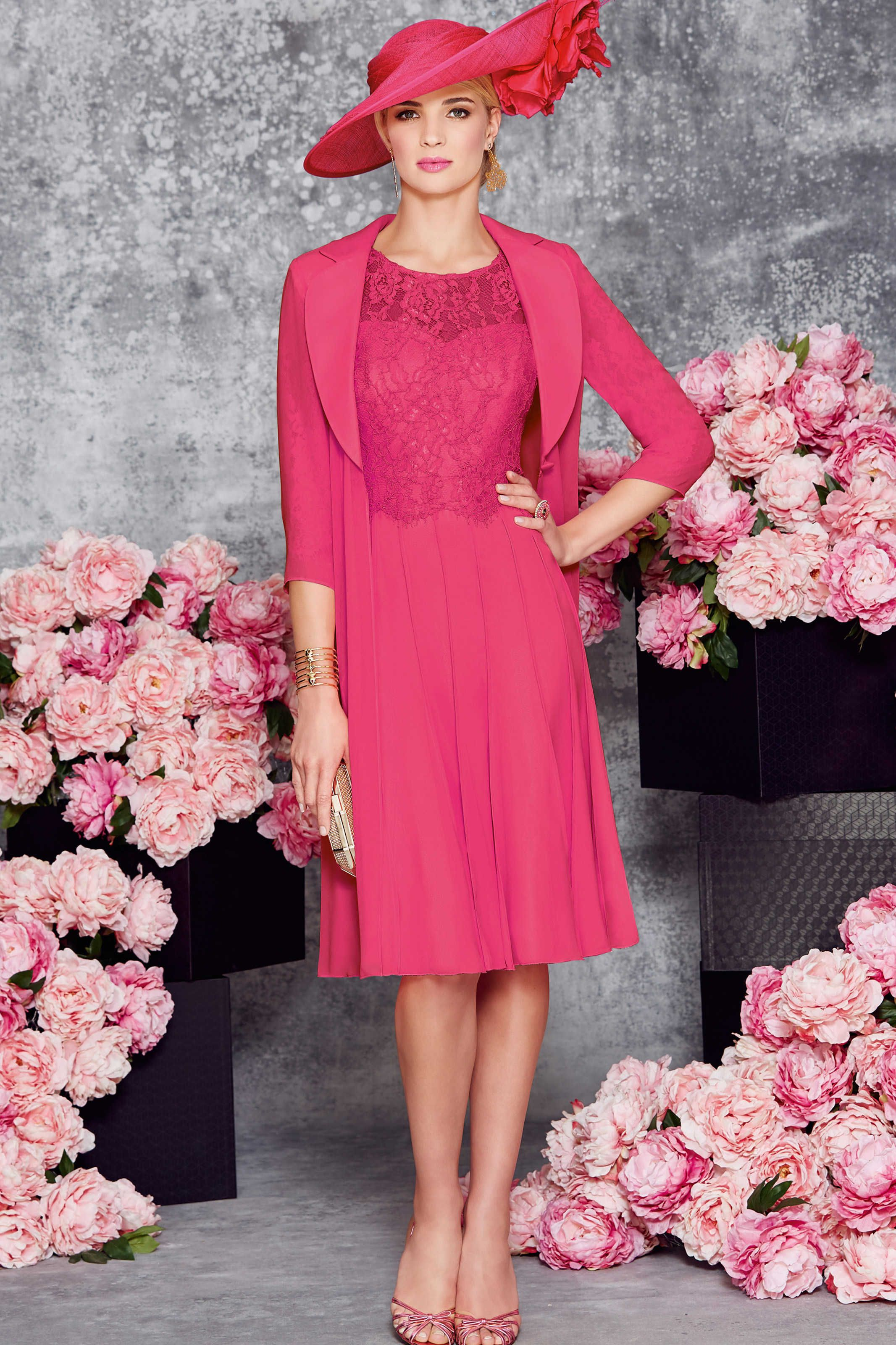 Short floaty dress with lace design and matching coat 008971
