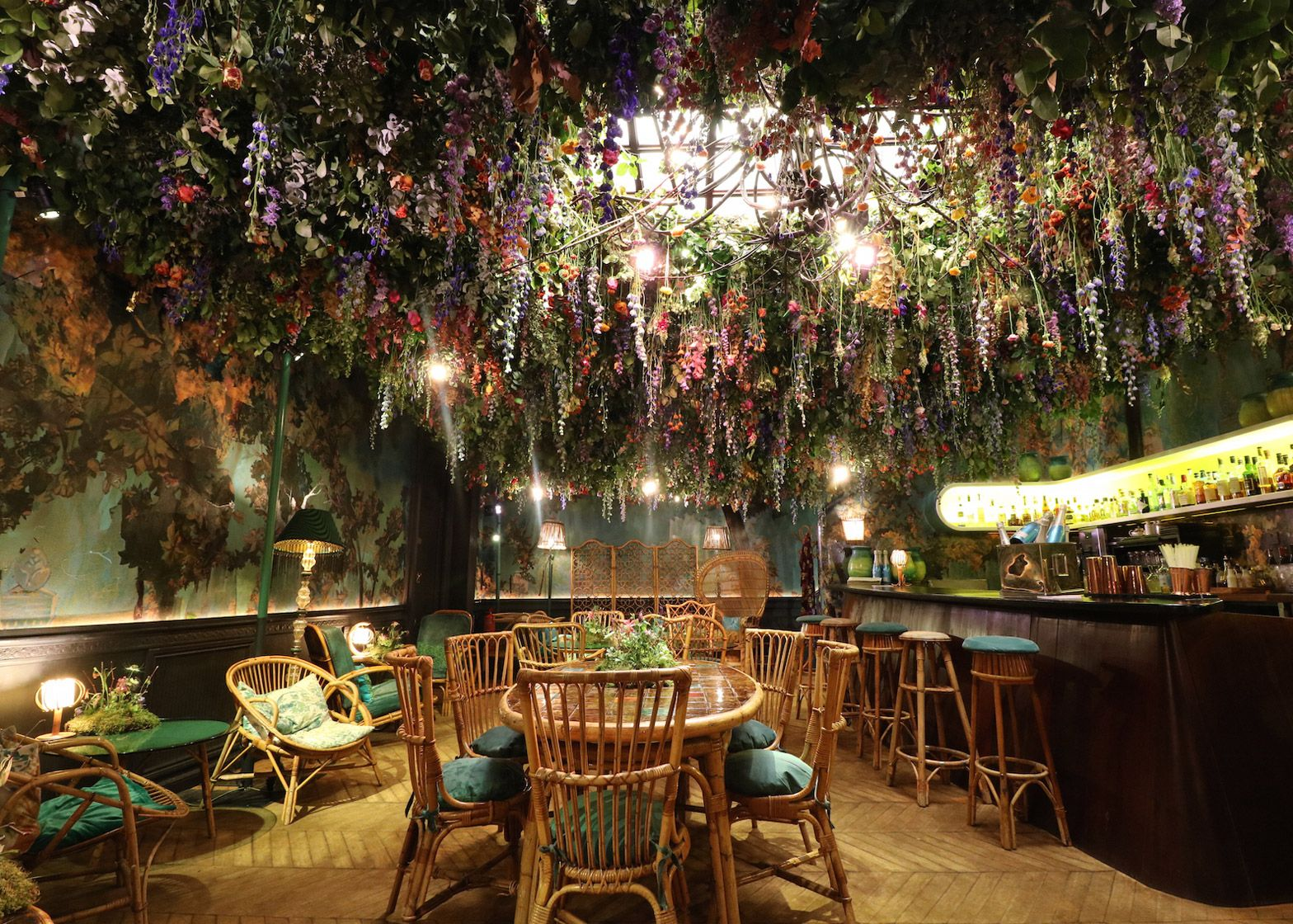 Sketch Restaurant Filled With Floral Installations For Flower Show Flower Cafe Sketch Restaurant Chelsea Flower Show