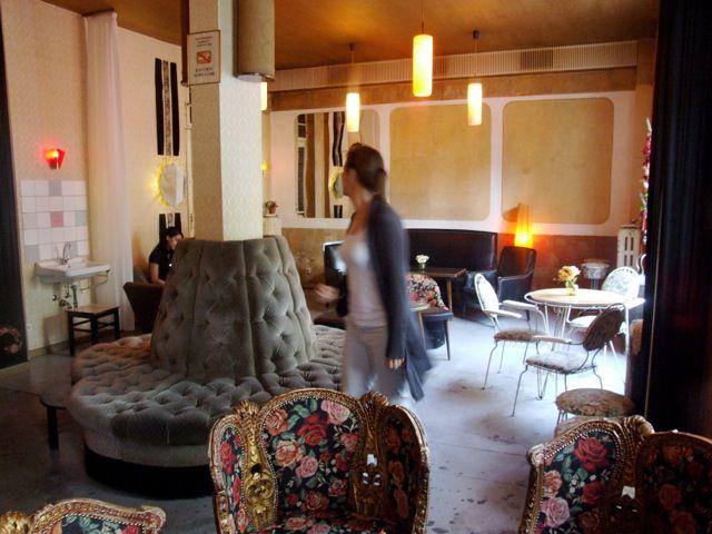Wohnzimmer Berlin ~ Wohnzimmer bar berlin lettestrasse cafes and hotels