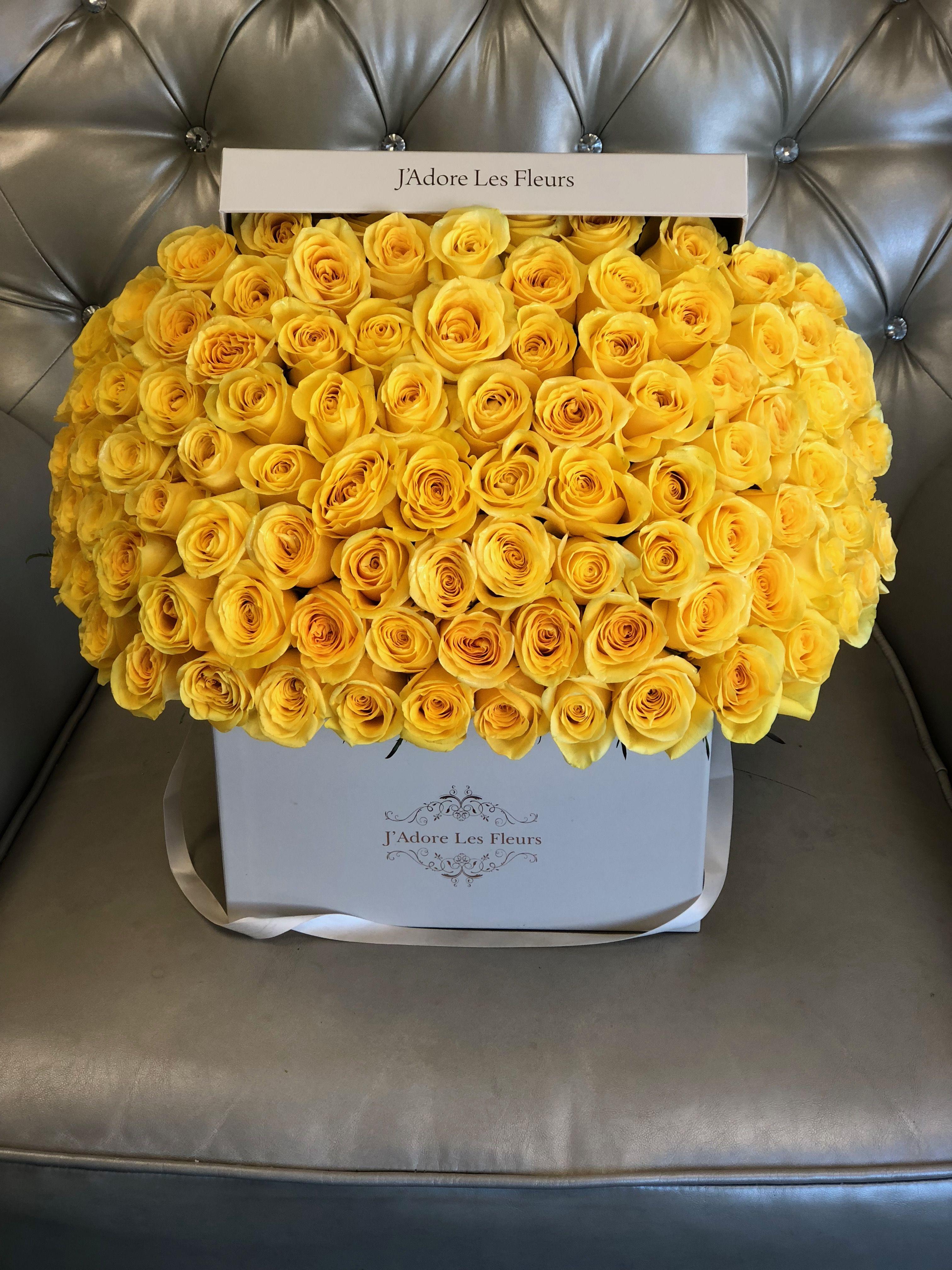 Jlf Signature R 100 Yellow Rose Box Jlf Jadorelesfleurs Yellowroses Roses Yellow Roses Ordering Roses Flowers Bouquet Gift