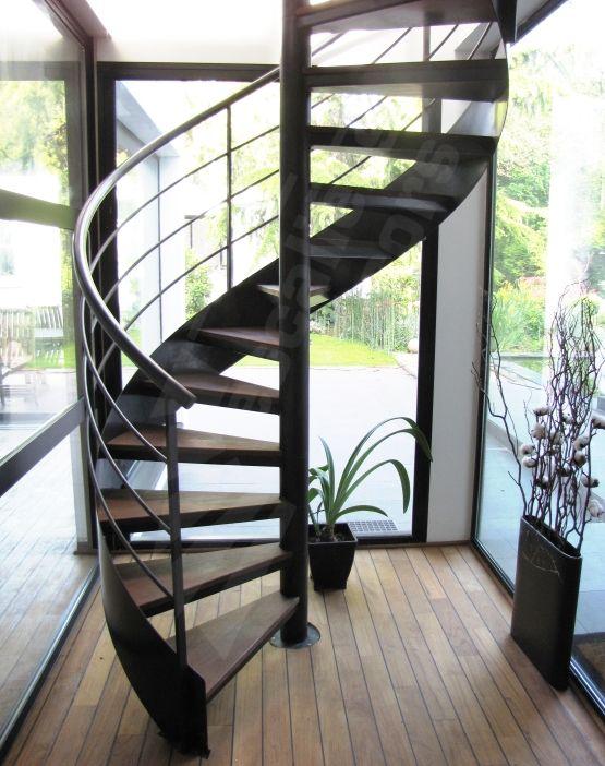 Photo Dh62 Spir Deco Caisson Escalier Interieur Metal Et Bois Helicoidal Pour Une Decoration Sobre Et Co Escalier En Colimacon Escalier Escalier Helicoidal