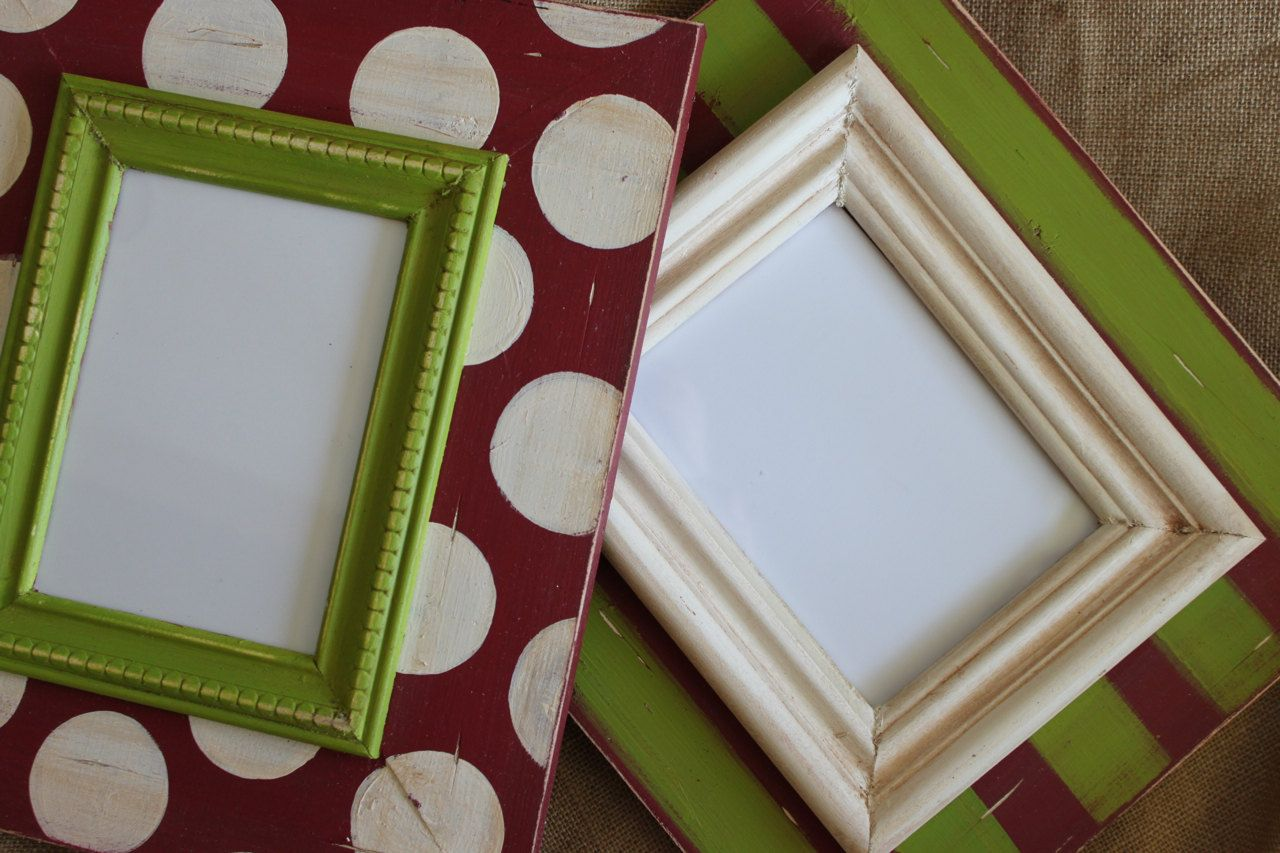 set of 2 5x7 distressed picture frames christmas holiday polka dot and stripe 9000