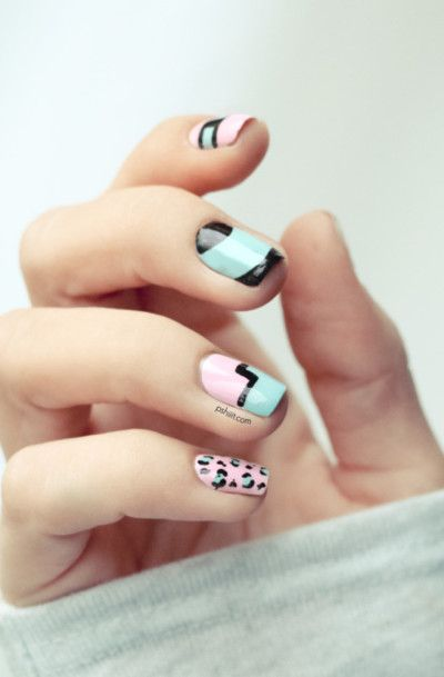 Love the color scheme and design! This is a great #nailart look!