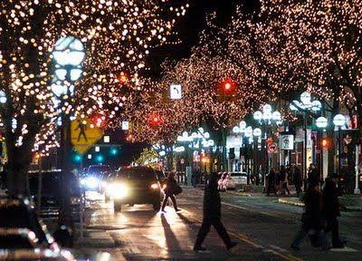 Main Street in the winter... quite a gorgeous sight. love ann arbor