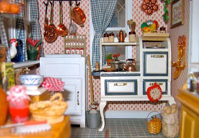 BluKatKraft: 1:12 Scale Victorian Dollhouse Miniatures: Kitchen... #victoriandollhouse