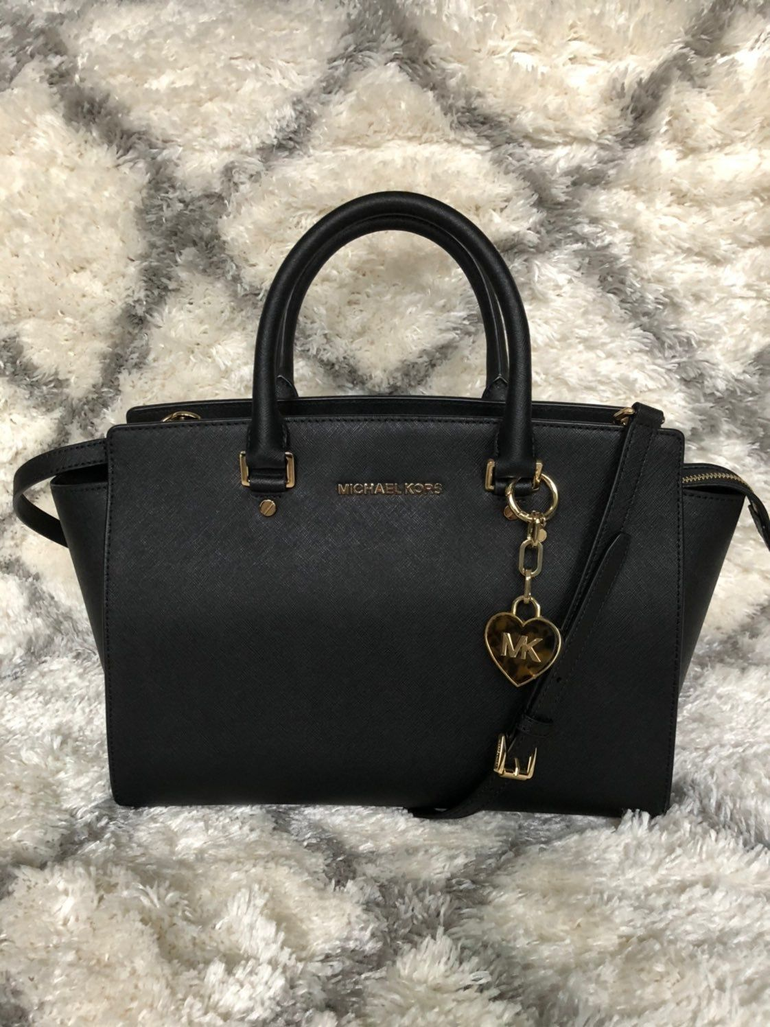 Mk Large Salma Satchel Bag With Mk Bag Charm I Used This Bag Very Gently And It Looks New Except I Marked On Satchel Bags Michael Kors Satchel Lady Dior Bag