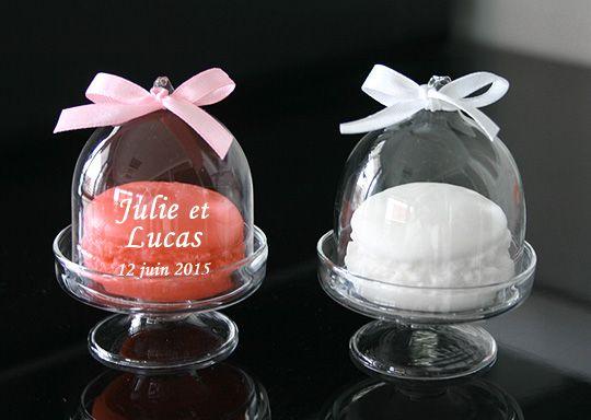 Mini cloche en verre avec savon macaron mariages for Cloche verre decorative