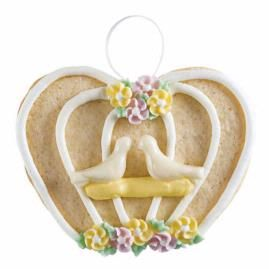 How to make this cookie using a heart-shaped cookie cutter.