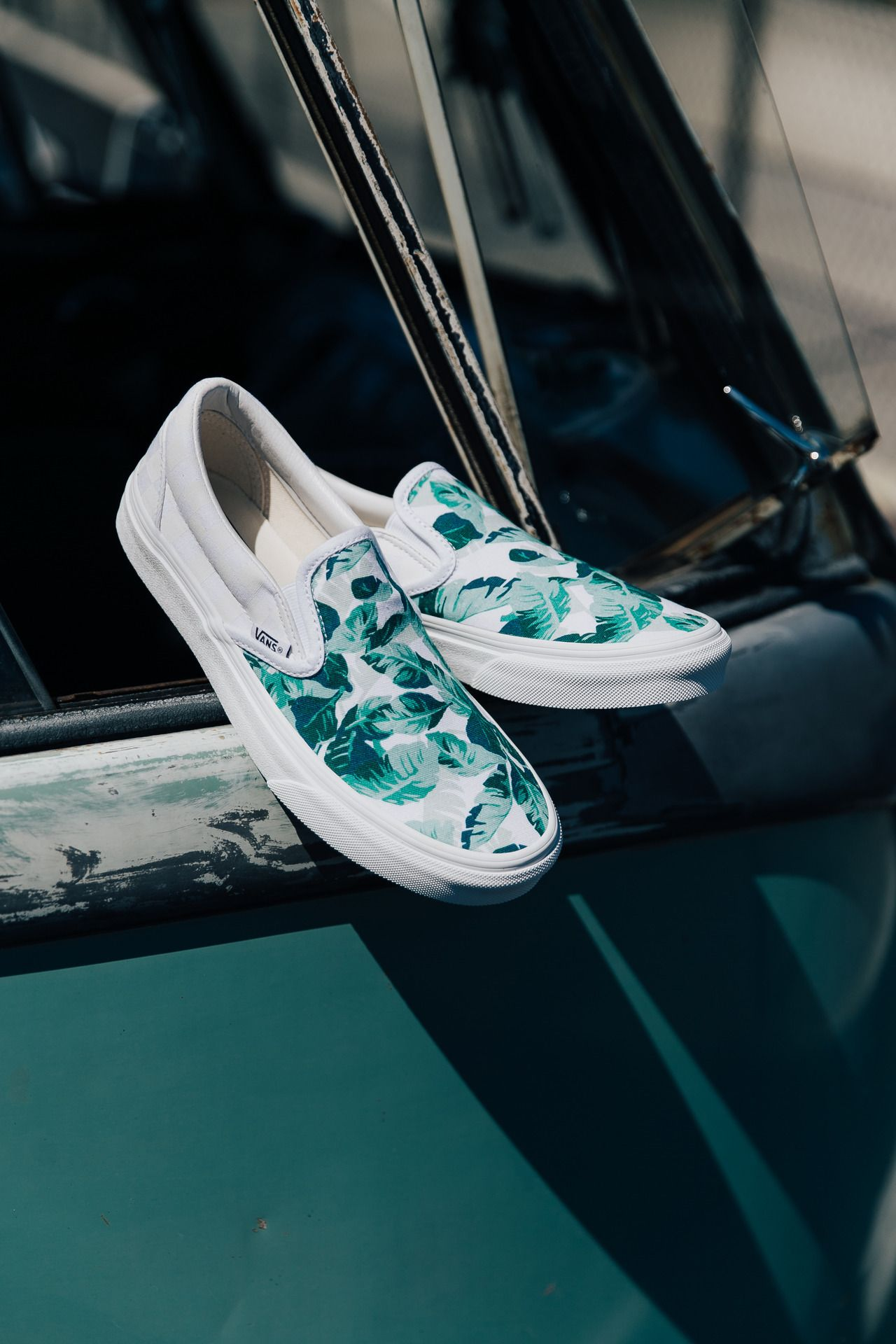 Leaf Me Alone Explore New Prints In The Vans Customs Shop At Vans
