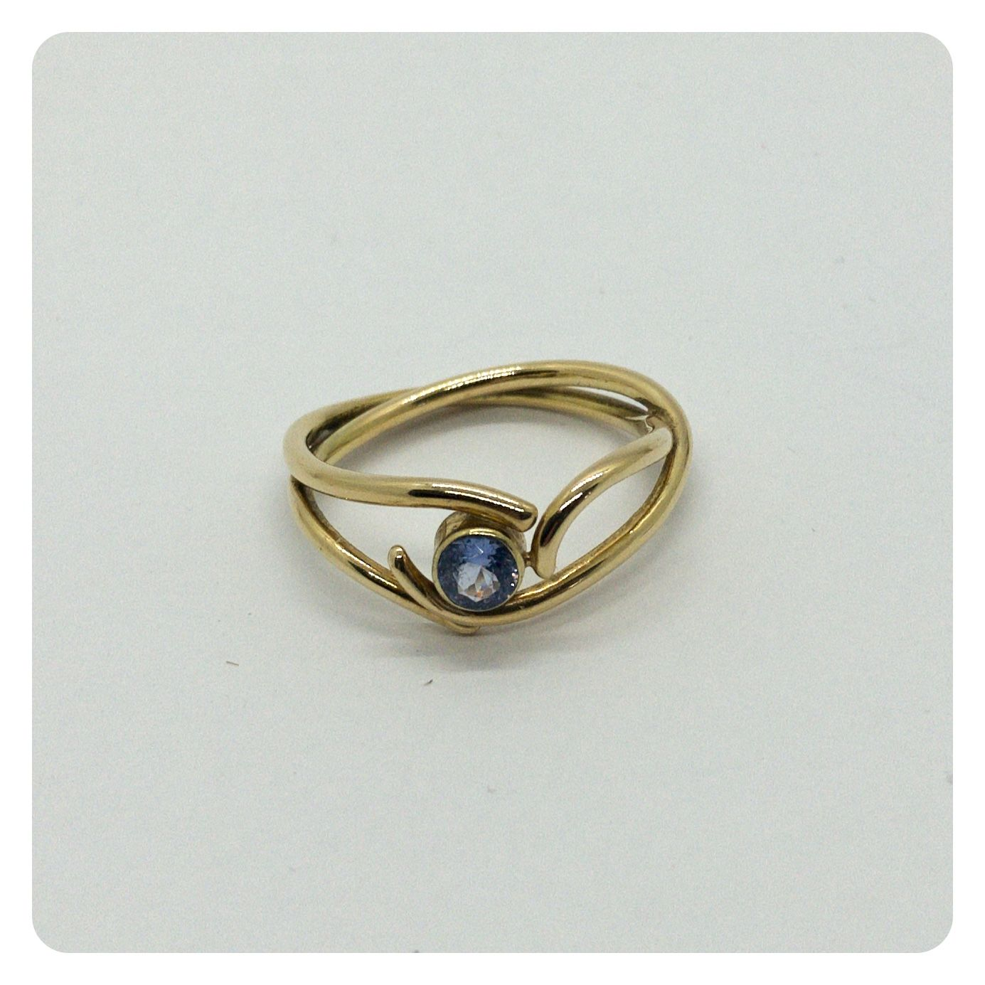 Golden Ring With Saphire In 2020 Gold Necklace Price Golden Ring Gold Cost