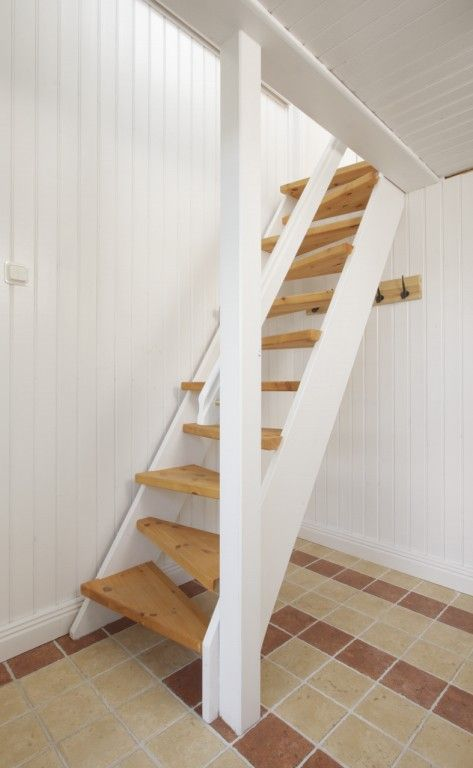 Attirant Space Saving Stairs With Triangular Steps