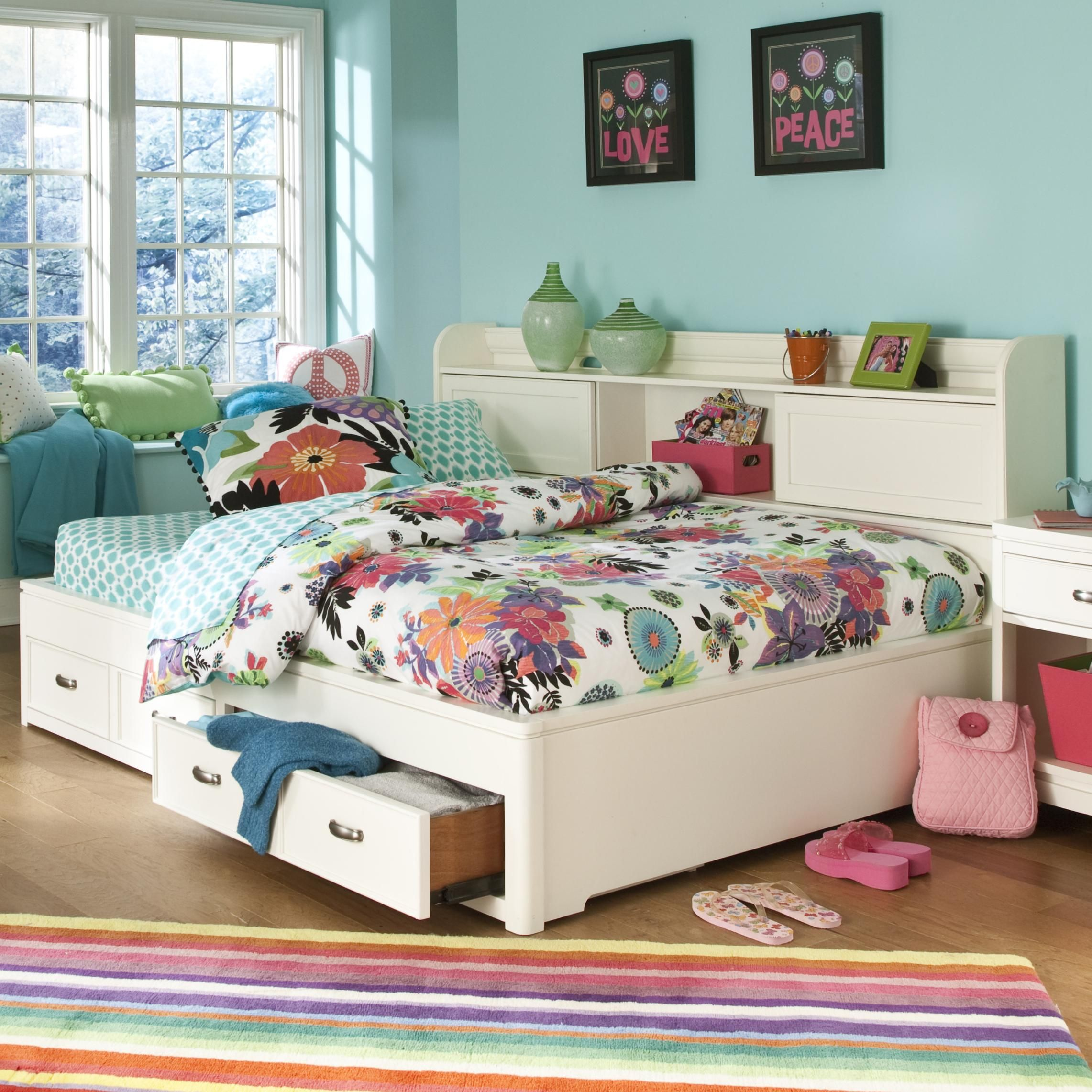 Park City White Full Size Study Lounge Bed By Legacy