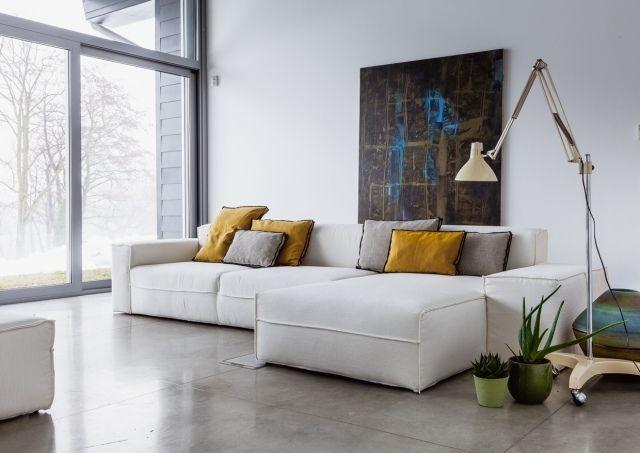 Weiß sofa design ideen minimalistische wohnung stehleuchte sit