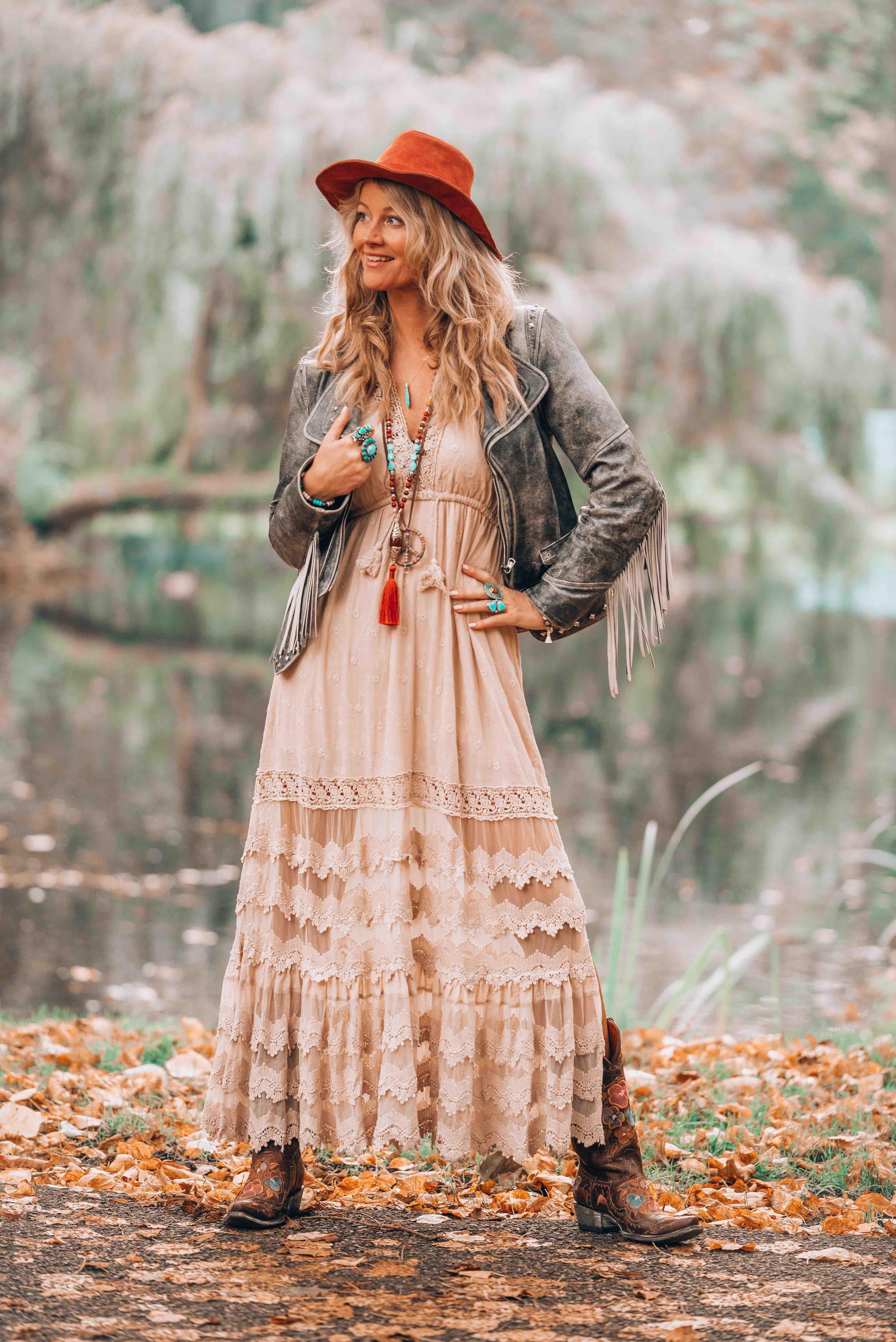 Bohemian dress /& Hippie trend
