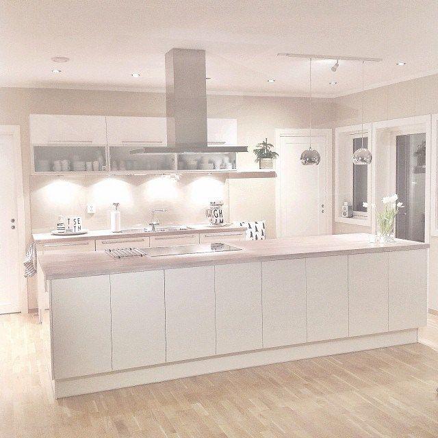 Preciosa casa de estilo n rdico en noruega cocinas - Casas de madera nordicas ...