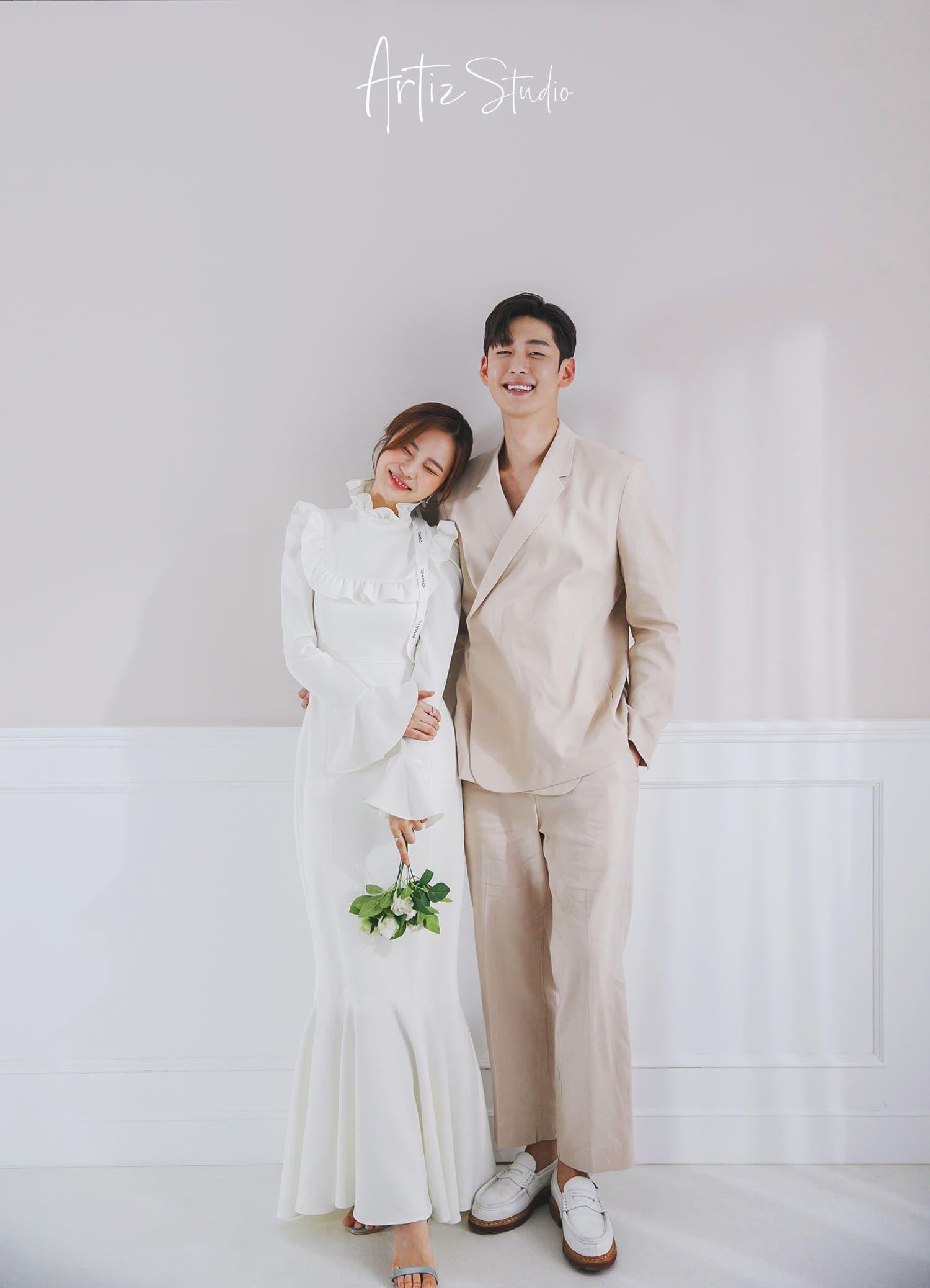 Singapore Bridal Wedding Shoot Korean Concept Big Day Artiz Studio In 2021 Wedding Photography Styles Wedding Photography Branding Pre Wedding Photoshoot [ 2076 x 1500 Pixel ]