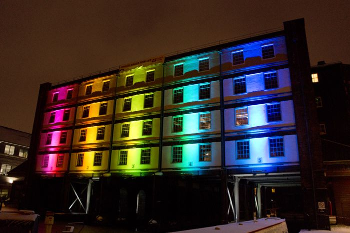Straddle Warehouse Building At Victoria Quays In Sheffield Wall Wash Lighting Facade Lighting Lighting Design Inspiration