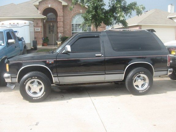 84 S 10 Blazer My First Vehicle And I Want Another One Chevrolet Blazer Small Trucks Chevy S10