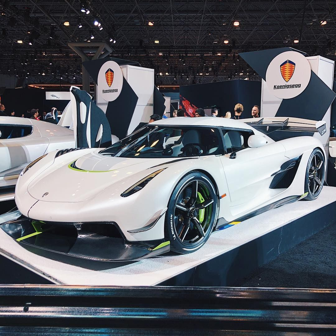 Omar On Instagram What S Your Ultimate Dream Hypercar Let Me Know In The Comments Usually The New York Auto Show Sports Car Sports Cars Luxury Car