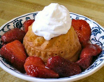 Low Carb Protein Pound Cake Strawberry Shortcake A