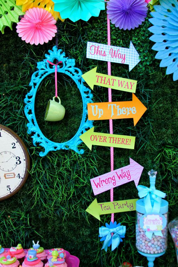 Alice in Wonderland party printable arrows at