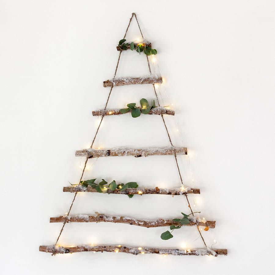 16 diy faciles et festifs pour une d coration de no l branch e sapins christmas tree. Black Bedroom Furniture Sets. Home Design Ideas
