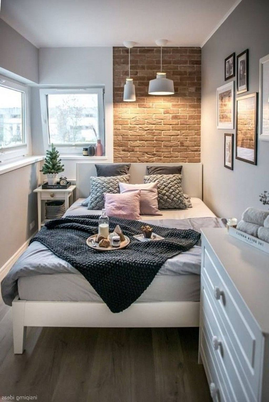 33 Awesome Modern Small Bedroom Design And Decor Ideas In 2020 Cozy Small Bedrooms Small Bedroom Ideas For Couples Small Bedroom Decor