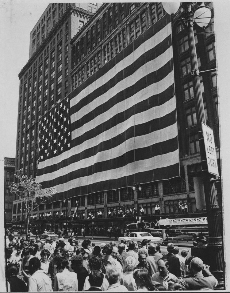 Hudson S Department Store Draped The Largest American Flag In The