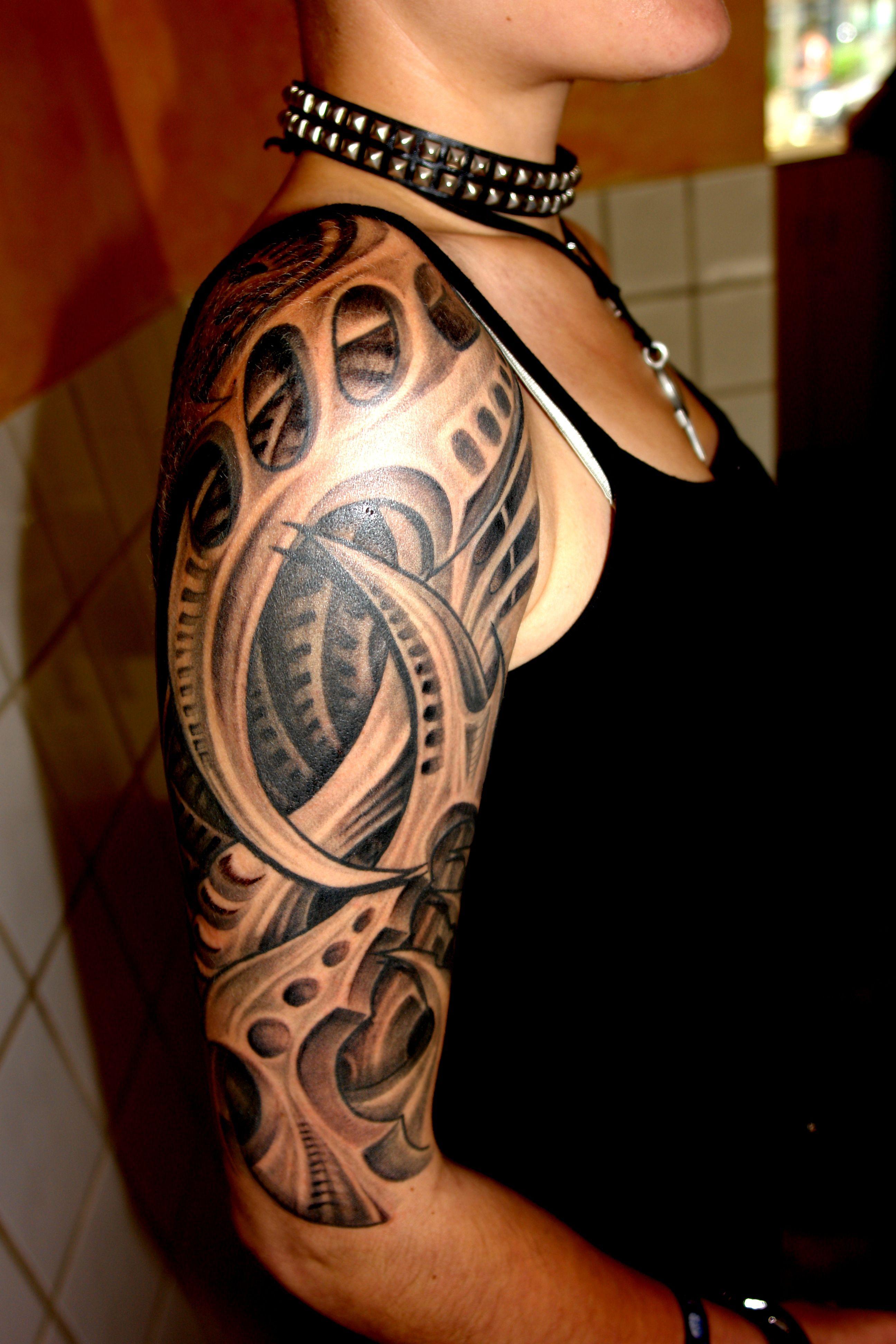 olli tattooer culture shocks visual caravan of. Black Bedroom Furniture Sets. Home Design Ideas