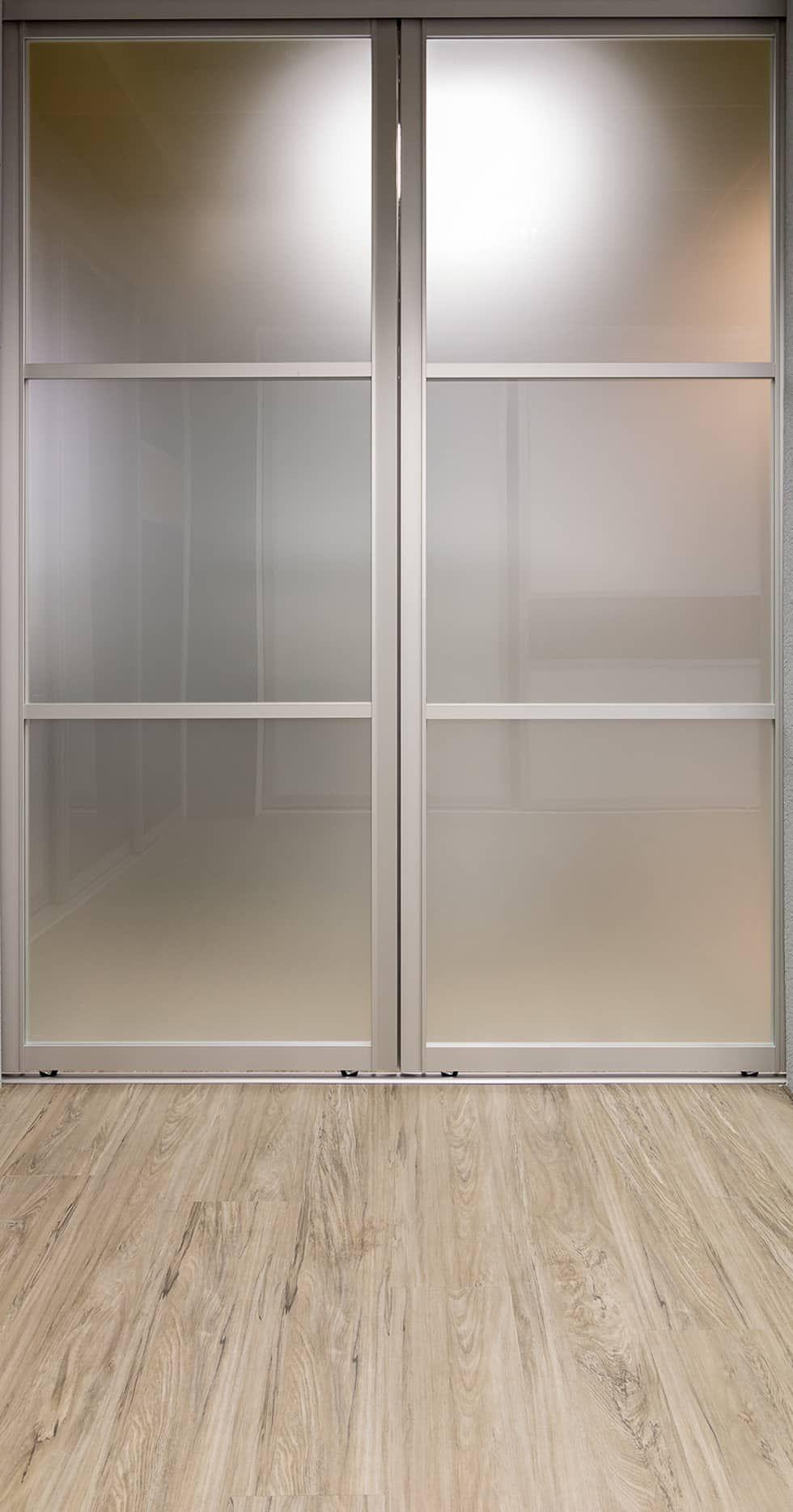 Einbauschrank Und Begehbarer Kleiderschrank   Mit Stil: Moderne  Ankleidezimmer Von Elfa Deutschland GmbH