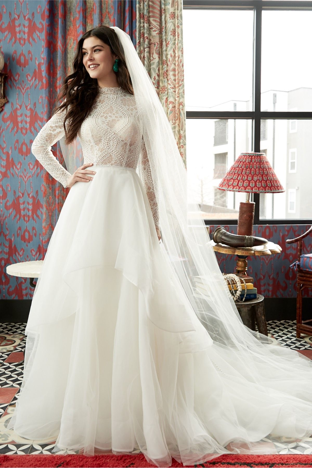Oh So Chic And Ready For The Altar This Graphic Lace Is Crafted Into A Classic Bridal Look Wtoo Wedding Dress Wedding Dress Long Sleeve Designer Bridal Gowns [ 1801 x 1200 Pixel ]