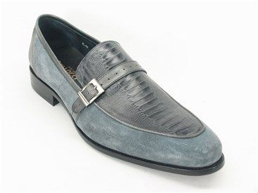 Carrucci Slip-On Loafer | C&E Fashions