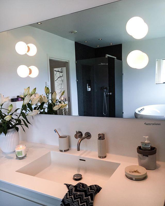 WEBSTA @ hanneromhavaas - Good morning from my favorite bathroom  #fredagsinspo @hanneromhavaas  Håper dere får en fantastisk høstdag Details  @modenafliser #gofollow