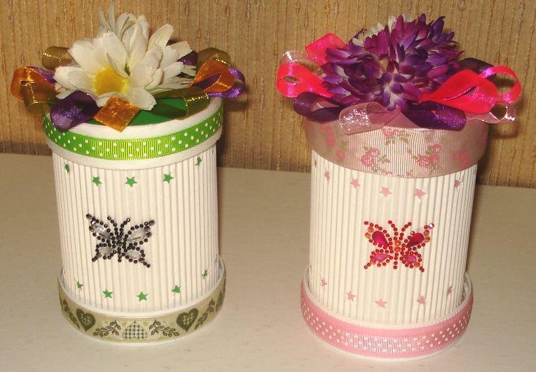 Scatole realizzate con cartoncino ondulato e decorate con - Decorazioni con cartoncino ...