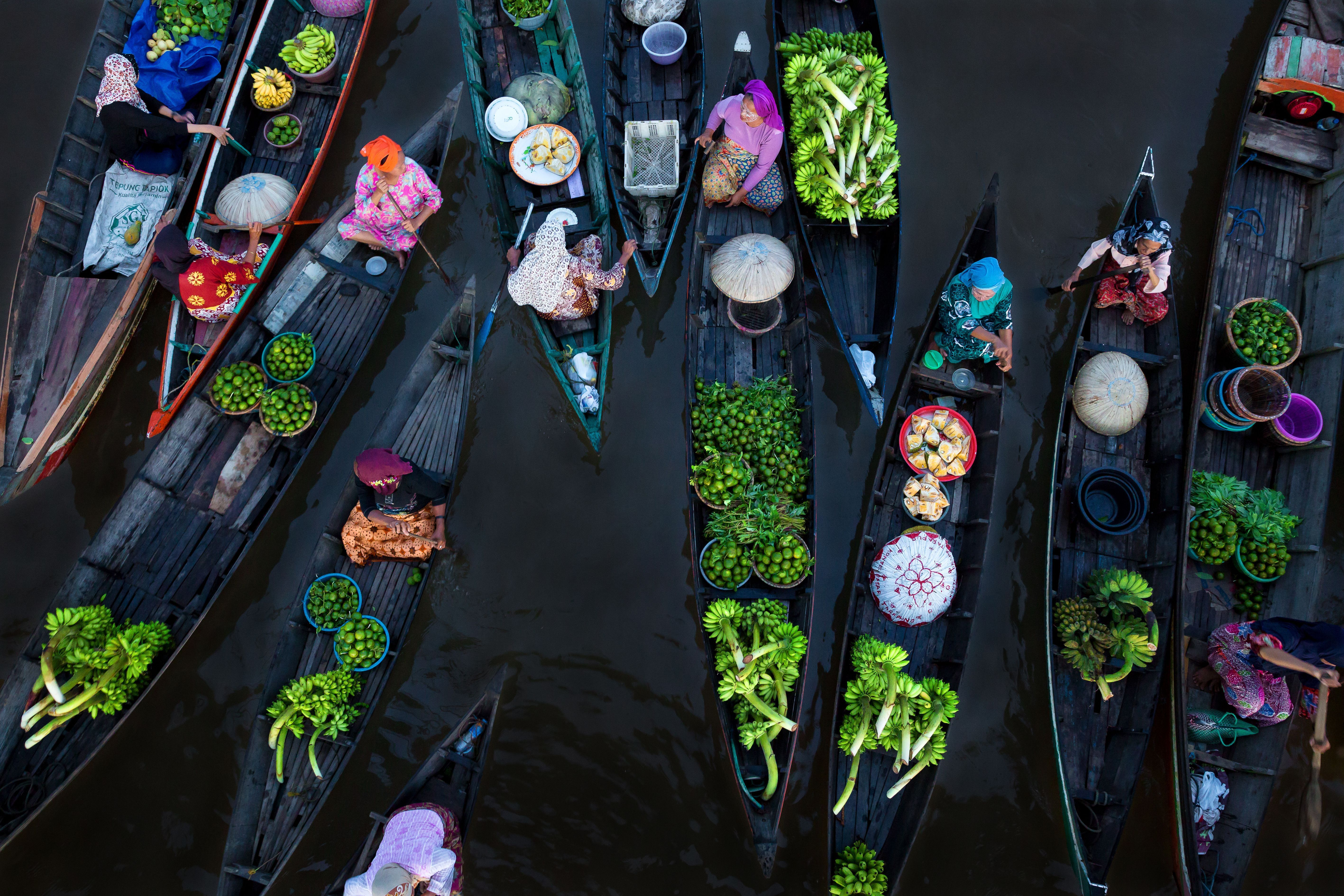 Art Wolfe Floating Market Photo Of The Day Places To Visit International Photography