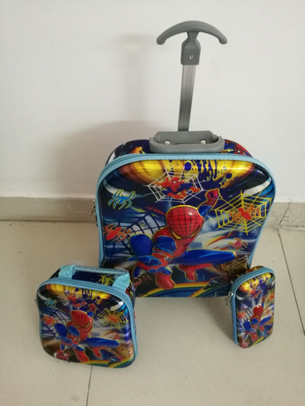 44.10$  Watch here - http://ai5mo.worlditems.win/all/product.php?id=32670530445 - 2017 spider-man Boys fashion luggage  Three-piece suit  travel suitcase set  (lunch box + pen boxes+trolley luggage )16 inch EVA