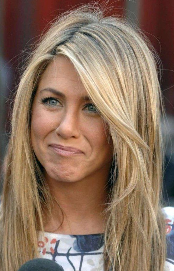 frisur jennifer aniston mittellang langer pony frisur. Black Bedroom Furniture Sets. Home Design Ideas