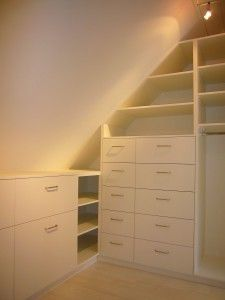dressing sous pente beautiful homes pinterest dressing sous pente dressing et combles. Black Bedroom Furniture Sets. Home Design Ideas