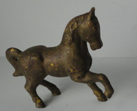 Vintage Cast Iron Horse Bank. by Cosasraras on Etsy, $25.00
